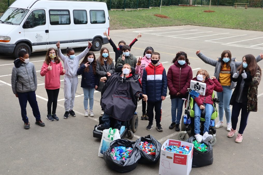 Les élèves de 6e du collège ont organisé un concours de collecte de bouchons au profit de l'association « les bouchons d'amour »